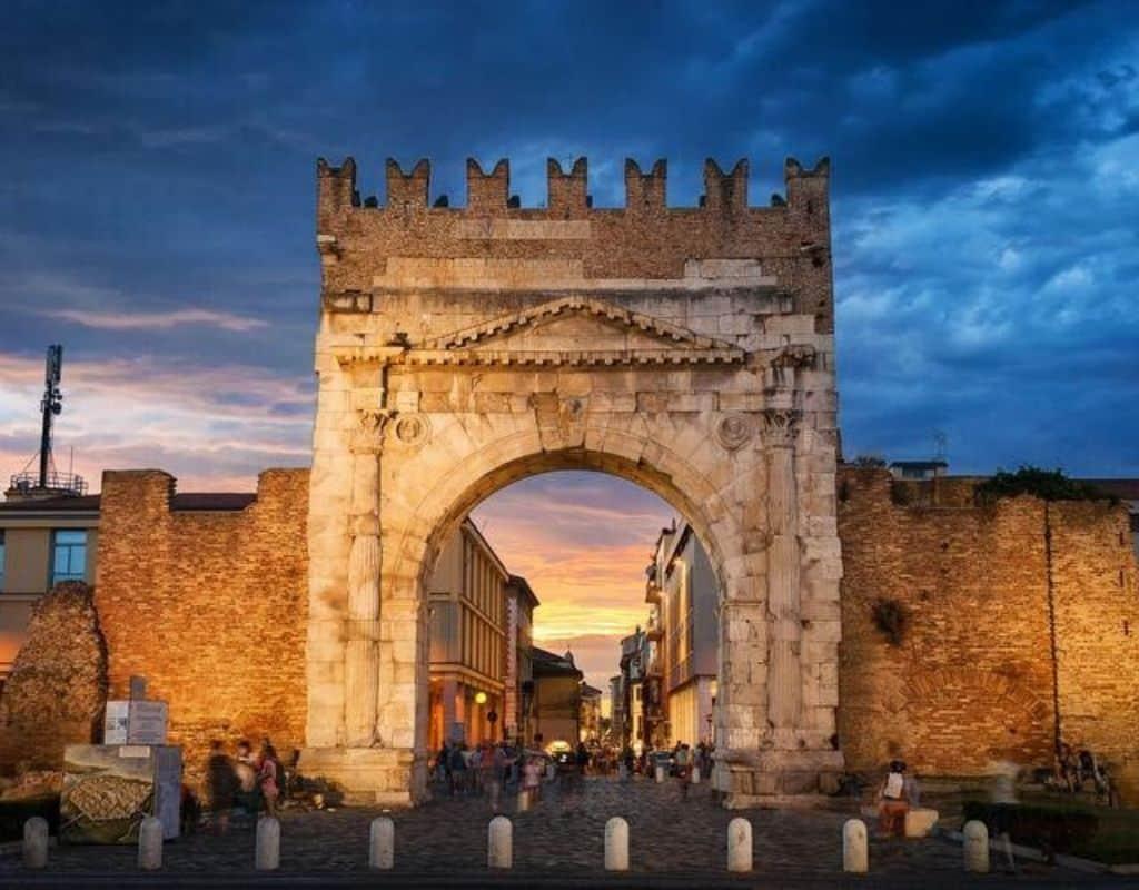 10 Cose da Vedere a Rimini -Arco d'Augusto Rimini