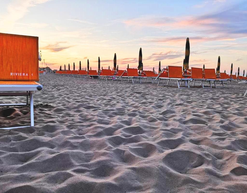vacanze relax - bagno riviera 1 rivabella - tramonto