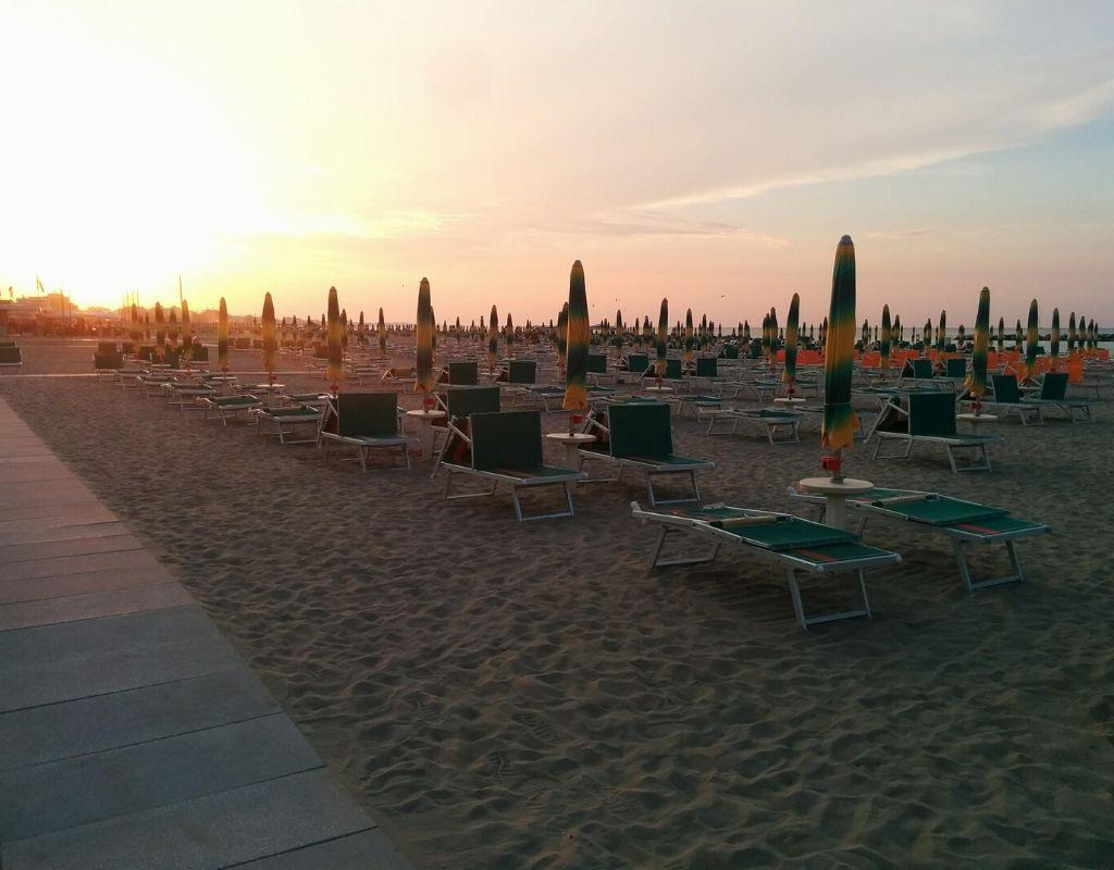 Bagno Riviera 1 Rimini a Rivabella (5) - spiaggia tramonto